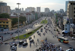 đền bù CPMB khiến đường phố HN đắt nhất cả nước
