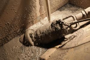 máy bơm bùn tsurumi
